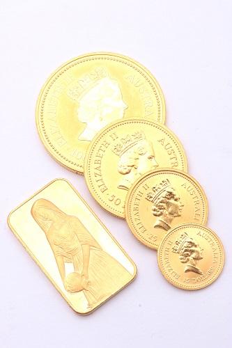 24金(純金) インゴット1枚、金貨4枚 総重量77.4g