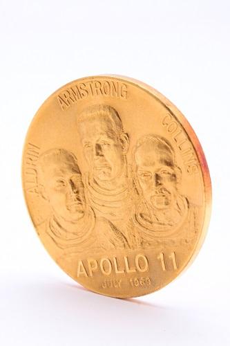 24金(純金) アポロ11号記念メダル1枚 約45.4g