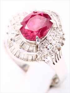 ルビーダイヤリング(Pt900 , ルビー3.06ct , ダイヤモンド1.00ct)