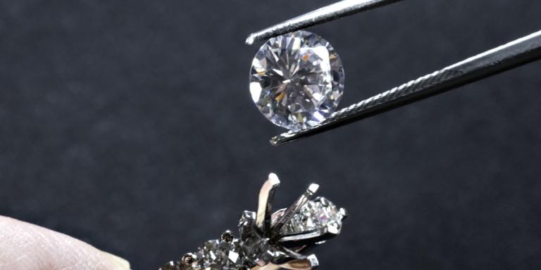 世界中で大人気ダイヤモンドの価値や種類を見極める方法とは?