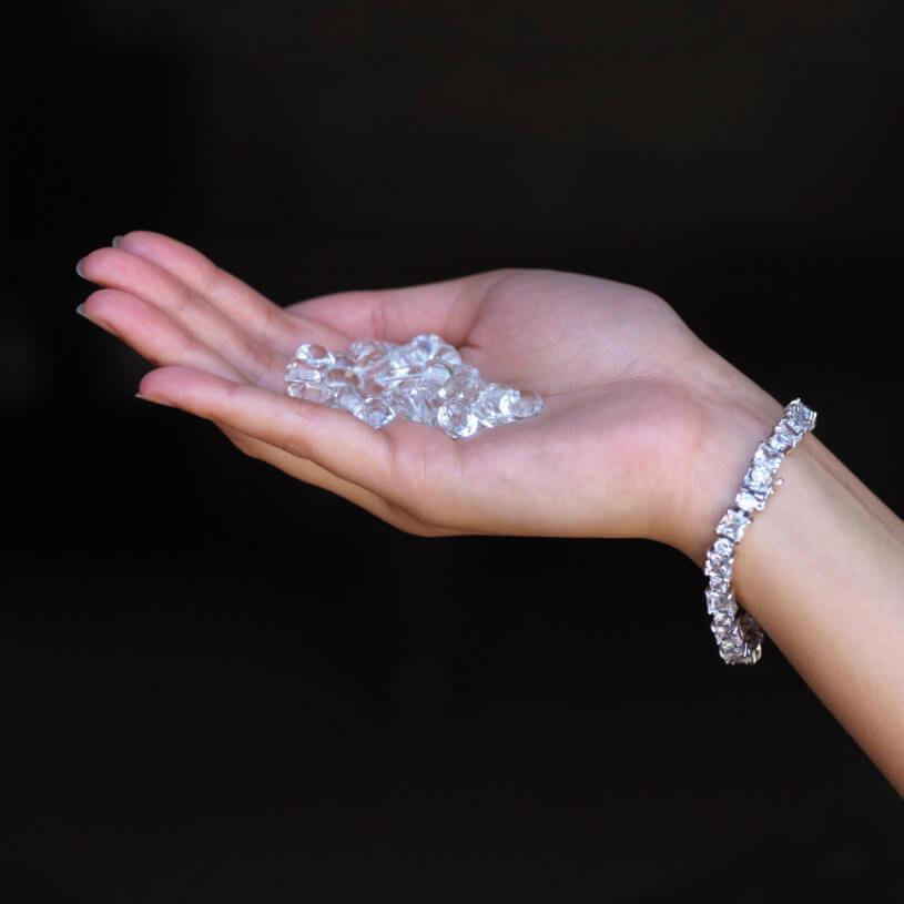 ダイヤを「割れ」や「欠け」から守るために……知っておきたい靭性について