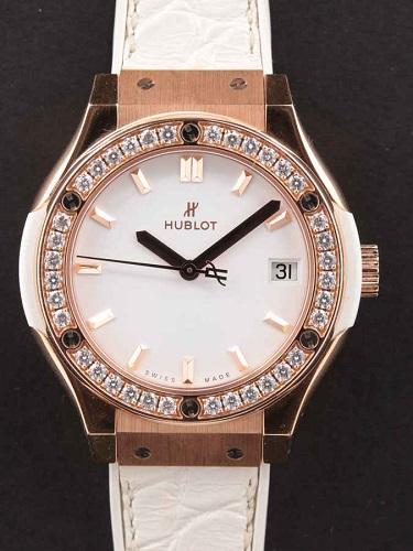 ウブロ クラシック・フュージョン ホワイトダイヤモンド 581.OE.2080.LR.1204