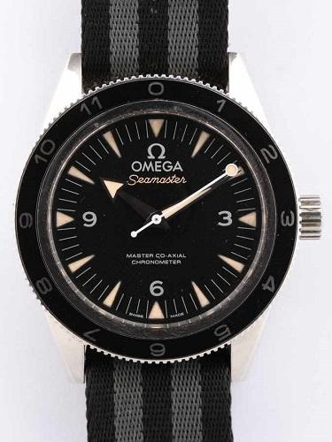 オメガ シーマスター300 スペクター 233.32.41.21.01.001