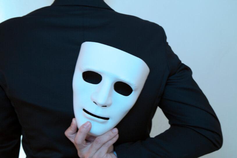 ブランド買取は詐欺業者に注意!偽物だった場合の買取店の反応は?