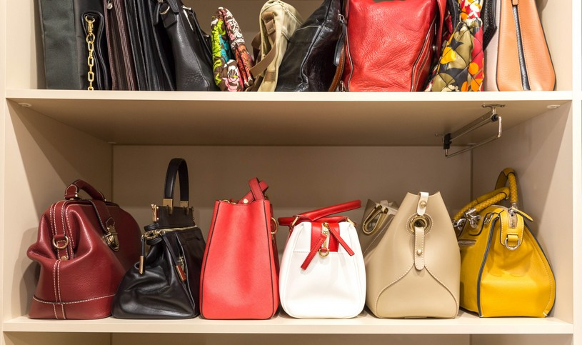 バッグの買取事情を比較。少しでも高く売るには?