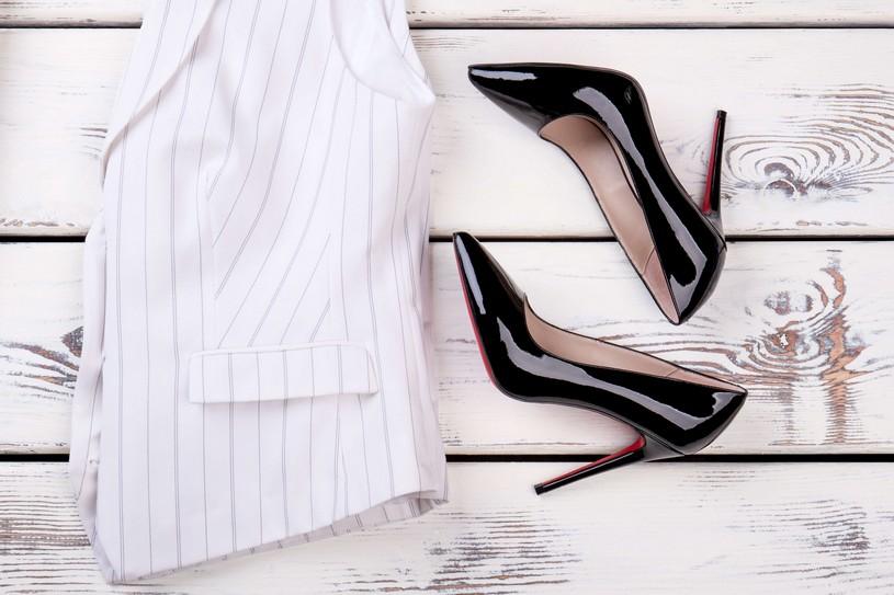 ブランド洋服は古着でも買取可能?スーツ・ネクタイ・靴、高価買取のコツ