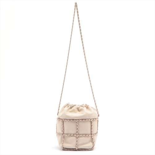 シャネル ココマーク ラムスキン チェーンショルダーバッグ 巾着 ホワイト シャンパンゴールド金具 30番台